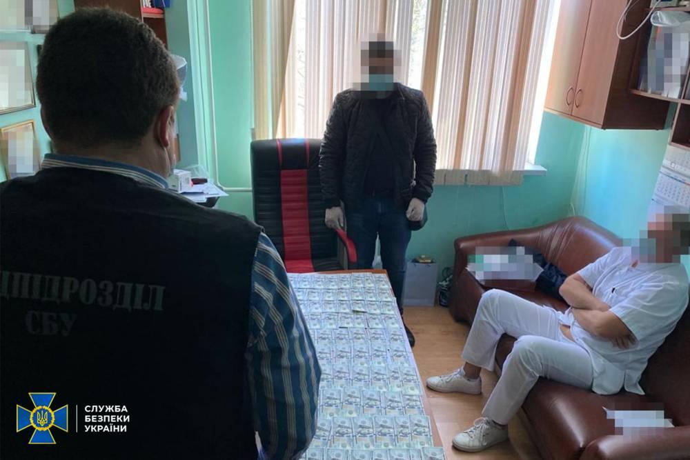 В Одесской больнице у пациентов требовали деньги за бесплатные операции на сердце