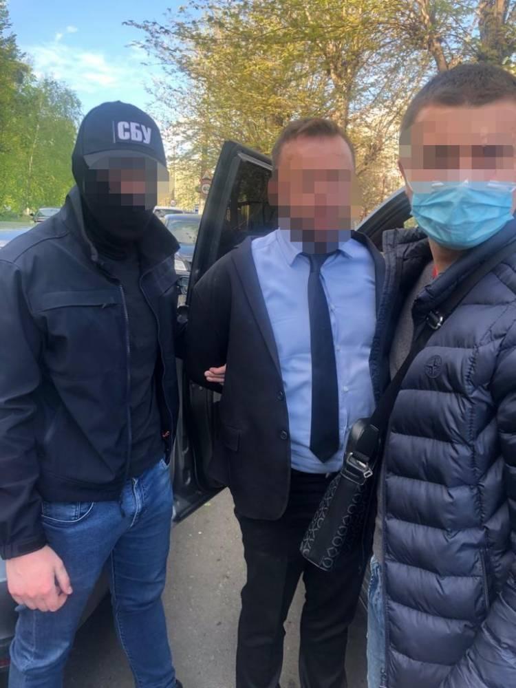 Мэра Дымера задержали на получении взятки в 2,6 млн гривен