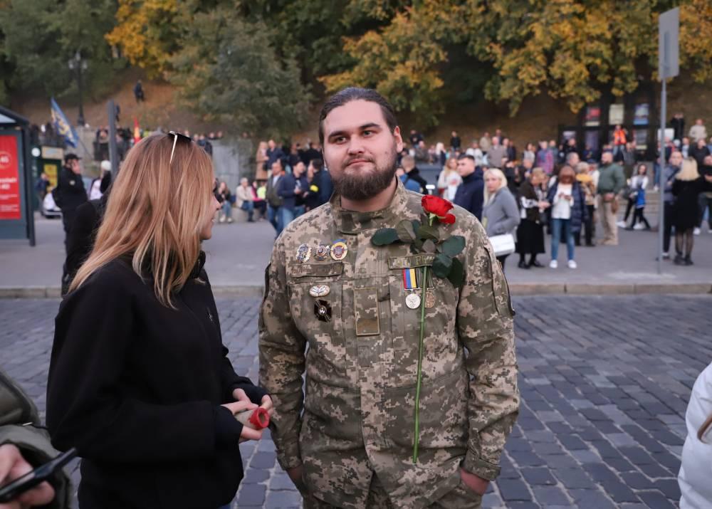 Украинского писателя оштрафовали за незаконное ношение ордена