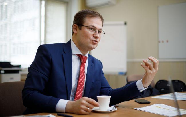 Замглавы ФГИУ не доверяет банкам валютные сбережения