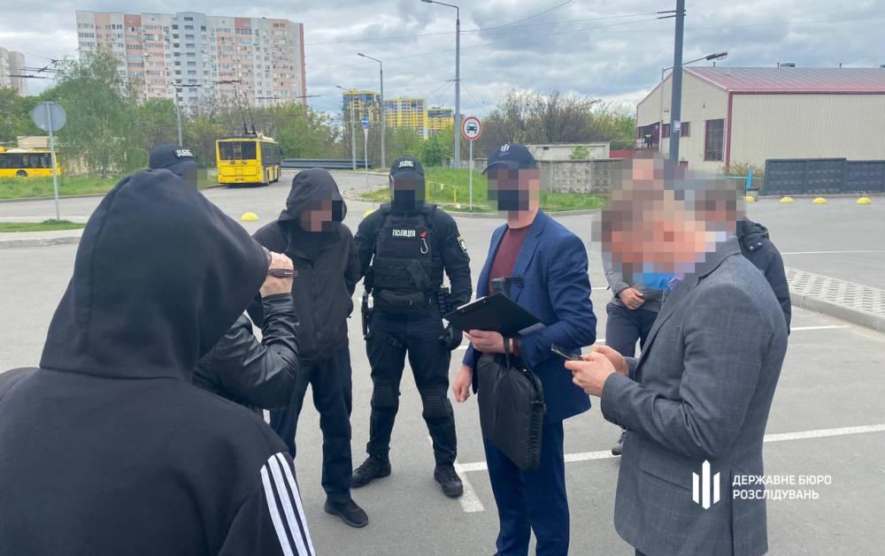 В Киеве топ-офицер патрульной полиции попался на вымогательстве взятки