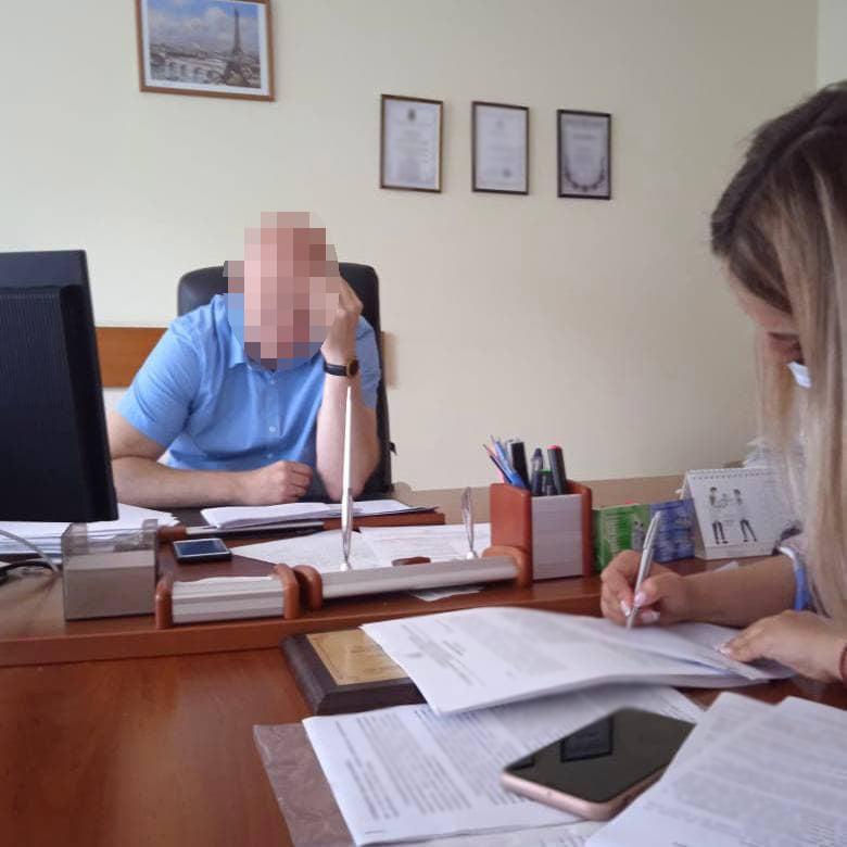 В Киеве руководство поликлиники присвоило 6,3 млн гривен