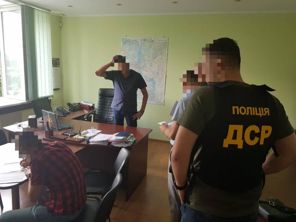 В Обухове чиновник Госгеокадастра попался на взятке