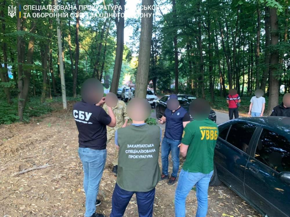 Офицера штаба Чопского погранотряда задержали за помощь контрабандистам