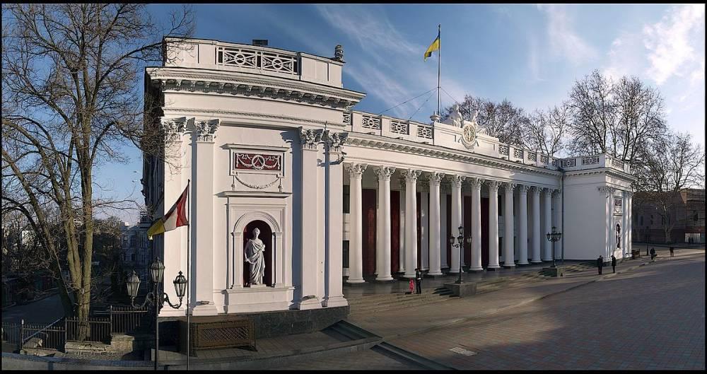 Реставрацией здания Одесской мэрии займется фирма с уголовным настоящим