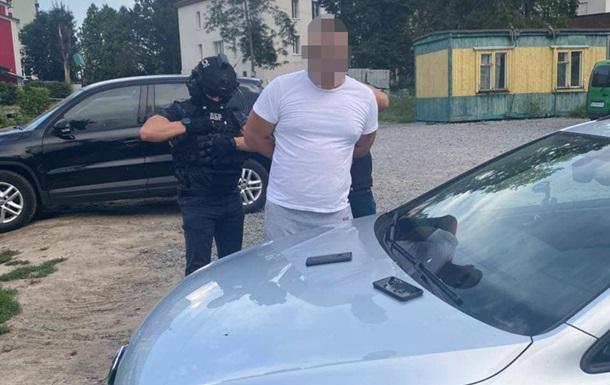 В Хмельницком двое полицейских попались на взятке