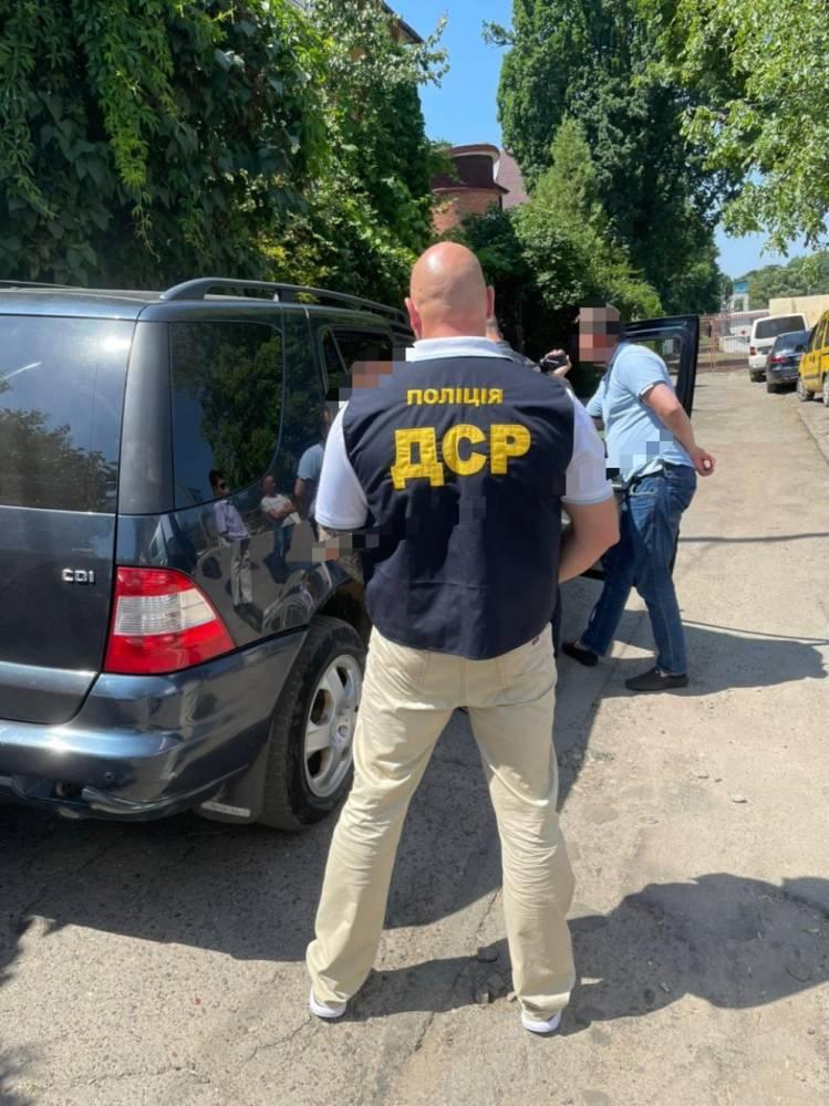 В Черновцах на взятке поймали помощника нардепа