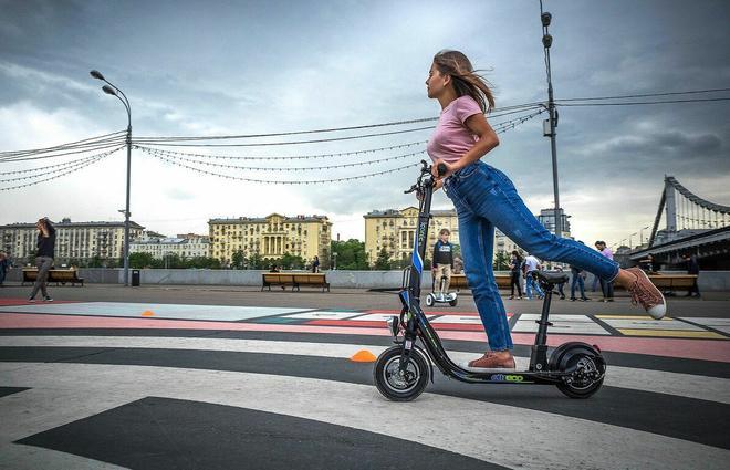 В Запорожье суд оштрафовал водителя электросамоката на 127 тысяч гривен