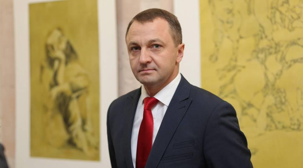 Уполномоченный по защите украинского языка получает 50 тысяч гривен надбавки за интенсивный труд