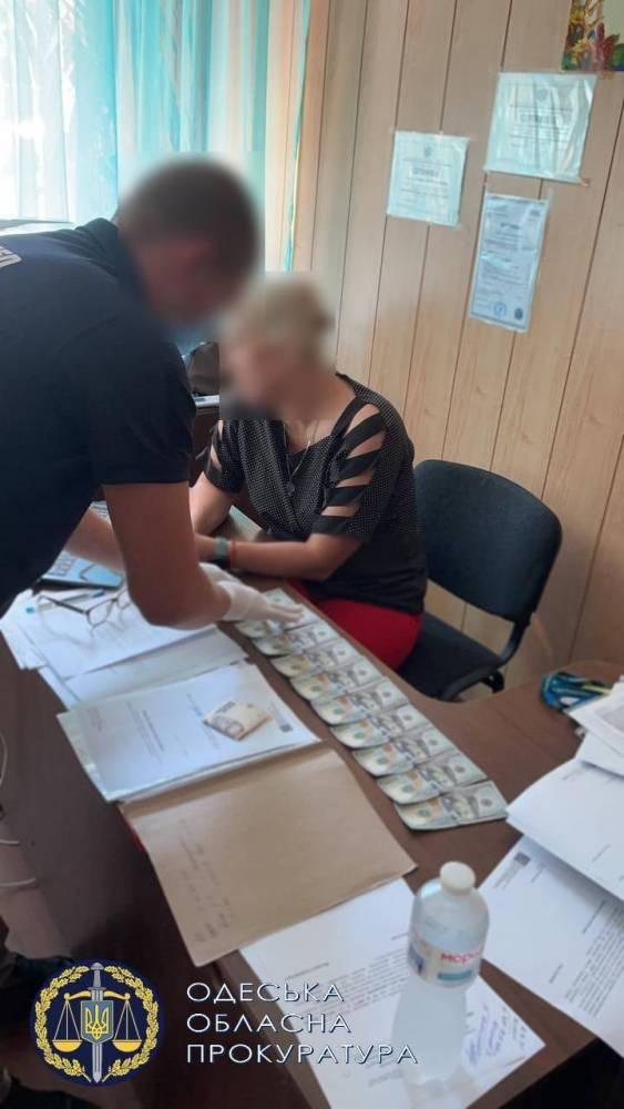 В Одесской области миграционщик вымогал взятку у иностранца