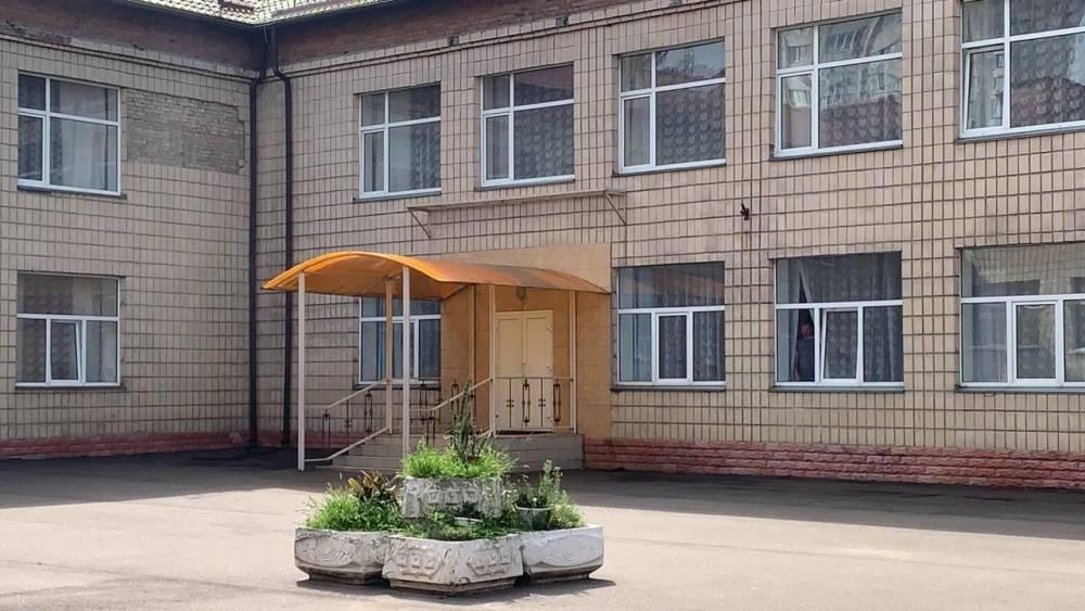 Экс-директор детского интерната в Киеве украл деньги на установке кондиционеров