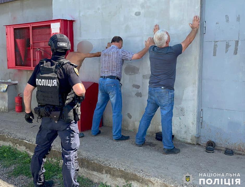 В Первомайске задержали банду, кравшую газ из вагонов-цистерн