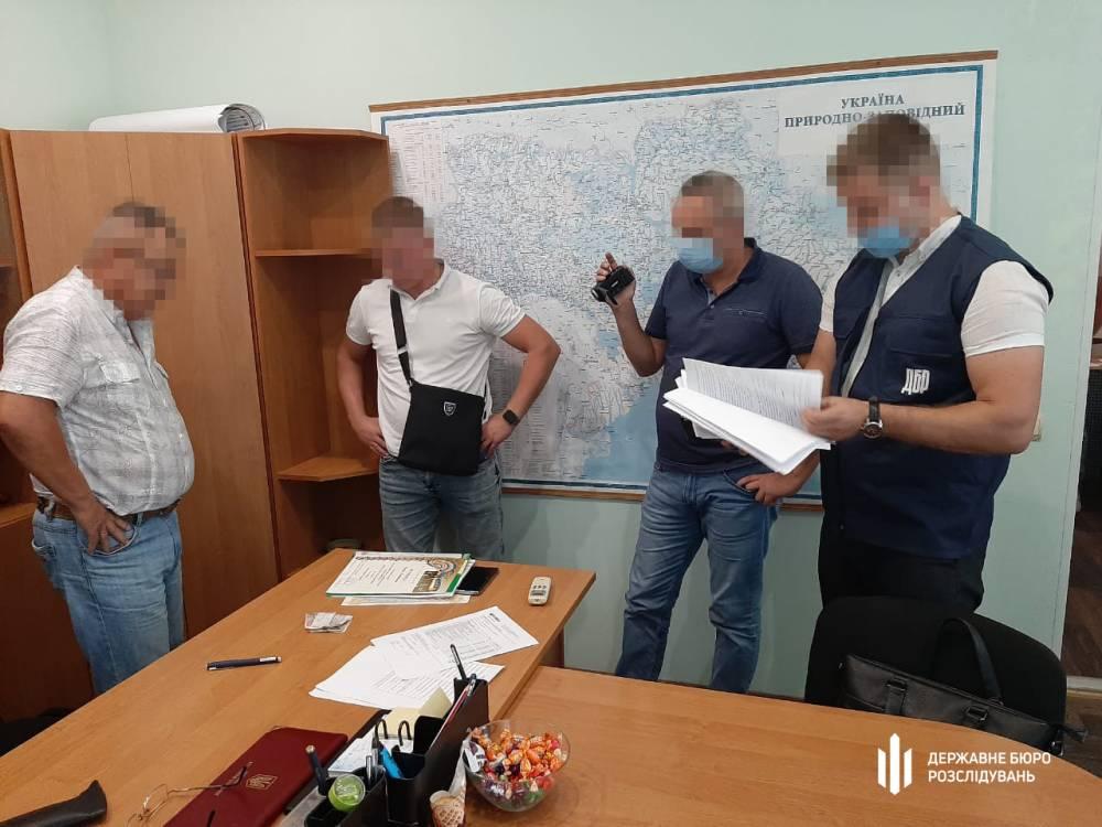 Директора Азово-Сивашского нацпарка задержали за вымогательство взяток у туристов