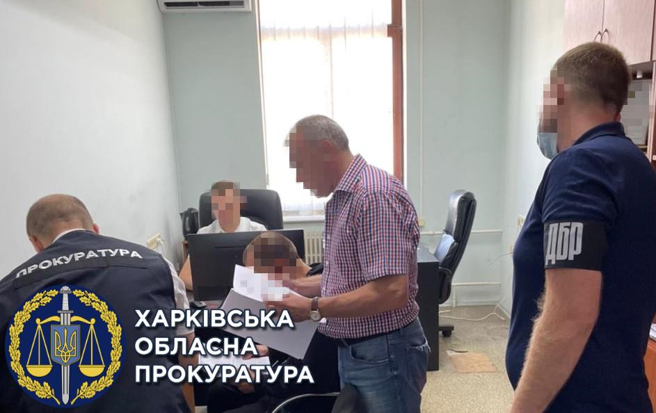 Двум сотрудникам Харьковского СИЗО вручили подозрение в халатности