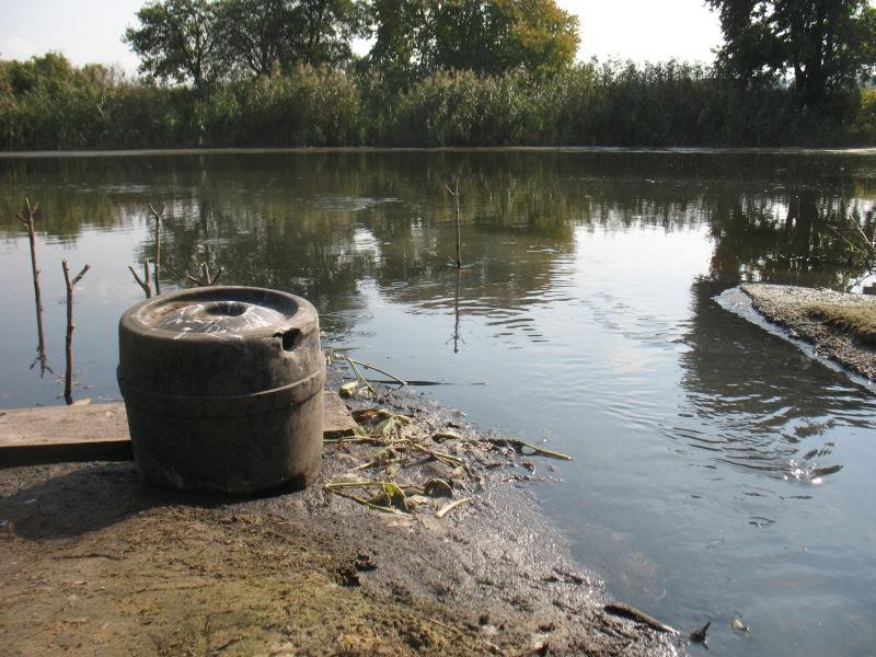 Топ-чиновников уголовно-исполнительной службы подозревают в загрязнении реки