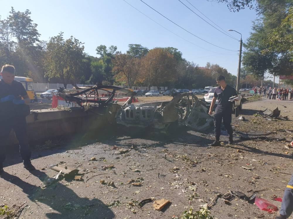 В центре Днепра взорвался автомобиль с пассажирами