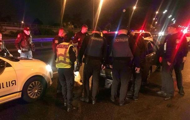 В Киеве со стрельбой задержали пьяного водителя