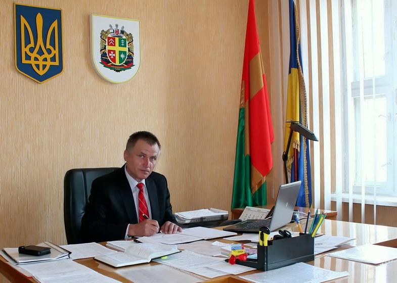 Начальник управления Житомирской ОГА продал свое авто вдвое дороже, чем купил