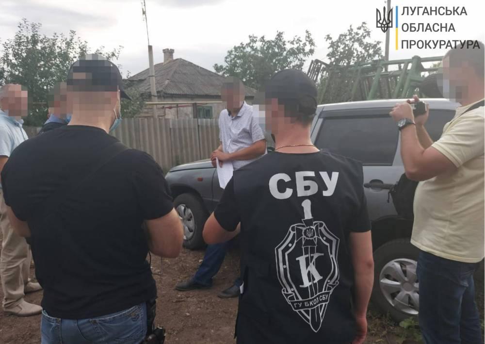 В Луганской области чиновник Госгеокадастра вымогал три тысячи долларов