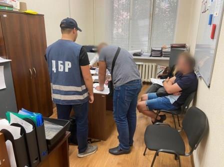 В Днепре группе полицейских вручили подозрение в вымогательстве и пытках