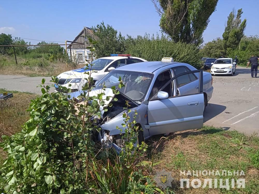 В Запорожской области пьяный водитель сломал ноги полицейскому