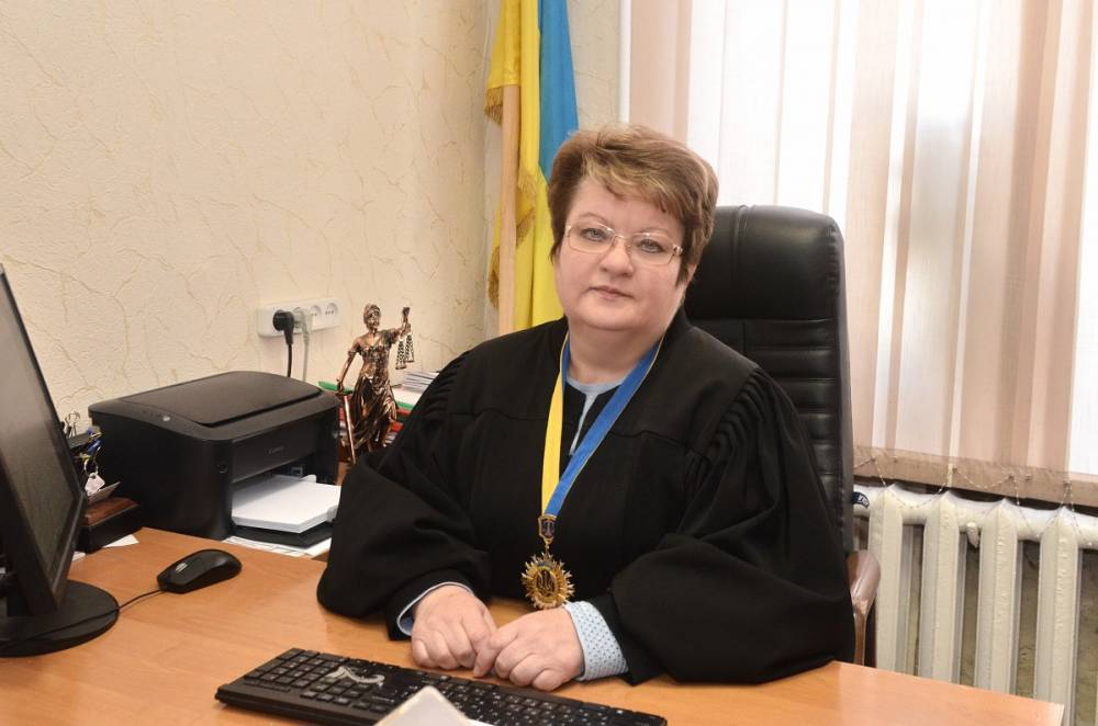Глава Соломенского райсуда Киева Шереметьева переписала все имущество на дочь