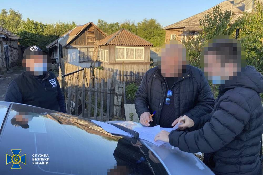 В Кривом Роге коммунальщик украл деньги при закупке троллейбусов и автобусов