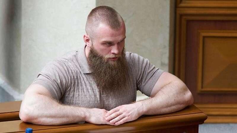 Нардеп Дмитрук оформил на себя только иконы и наручные часы