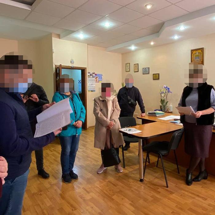 В Киеве чиновников районного управления образования проверяют по делу о растрате